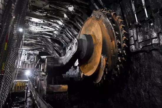 新疆出台《自治区煤矿智能化建设实施方案》 明年底建成15个以上智能化示范煤矿
