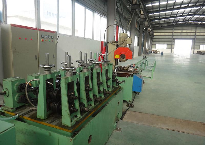不銹鋼制管機設備3