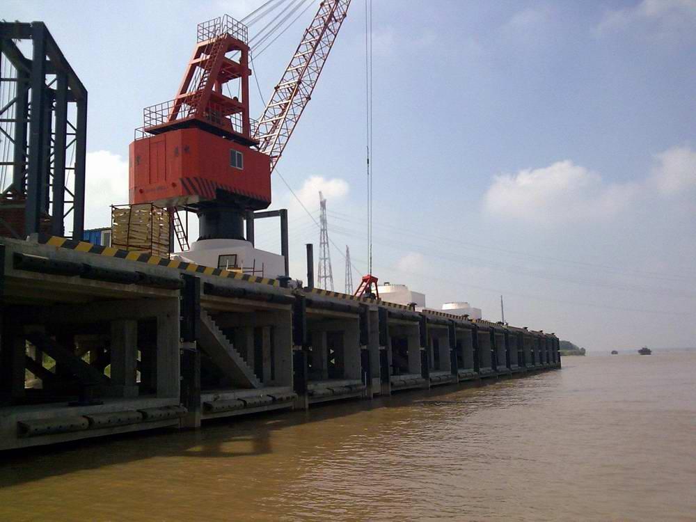 信義環保特種玻璃(蕪湖)有限公司5000噸級碼頭及引橋工程