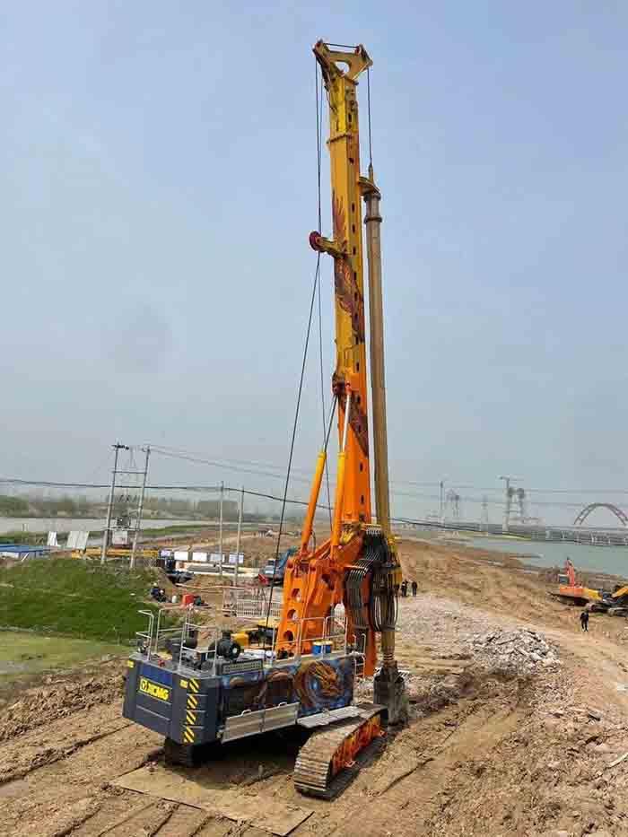 出彩!中國龍XR240E旋挖鉆機出征助力合肥地鐵三號線